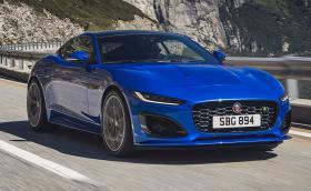 Това е новият Jaguar F-Type. Най-мощната версия е 575 коня, а ръчката вече е история