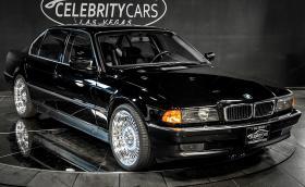 В това BMW 750 iL е застрелян Тупак. Продава се за $1,75 млн.