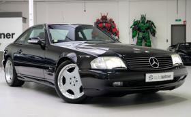 Този Mercedes-Benz SL 73 AMG поскъпна с 500 000 лв. за 15 месеца