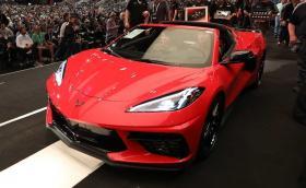 Продадоха първия произведен 2020 Chevrolet Corvette за 3 милиона долара