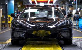 Новият Chevy Corvette най-накрая влезе в производство