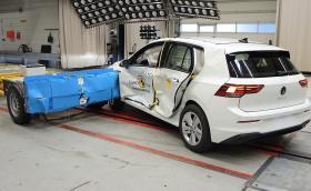Въпреки петте звезди от Euro NCAP, VW Golf 8 малко ни плаши - вижте задната врата...