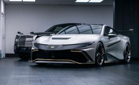 Naran е олдскул суперкола с 1050 к.с. от 5-литров V8