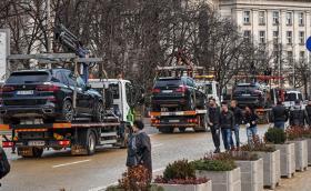 Паяци изнесоха автопарка на Васил Божков