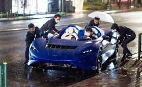 Недостатъкът да си купиш McLaren за 1,7 млн. долара: нямаш покрив, а навън вали…