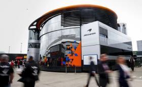 McLaren се отказа от участие в Австралия. F1 може и да не започне в неделя, има заразени членове на екипите.