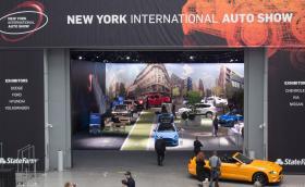 Отлагат за август автосалона в Ню Йорк, който трябваше да се състои през април