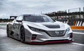 Състезателният Nissan Leaf изглежда обещаващо, карбонов е и тежи само 1220 кг
