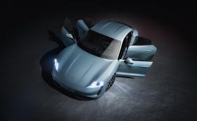 Porsche готви по-евтин Taycan със задно