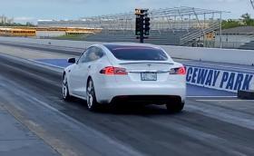 """Tesla Model S с режим """"Гепард"""" мина четвърт миля за 10,5 секунди"""