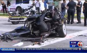 Tesla Model X се счупи на две след брутален удар с Nissan GT-R. Шофьорът е добре