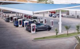 България е на картата на Tesla за суперзарядни за четвърта поредна година, но станцията в Пловдив още я няма