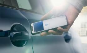 Apple показа новия iOS 14, който предлага отключване на повечето модели на BMW през телефона