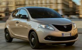 Lancia продължава на изкуствено дишане - Ypsilon стана хибрид и остава в продажба