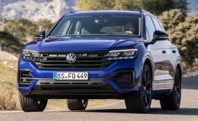 Новият VW Touareg R няма V10 TDI, но пак е готин