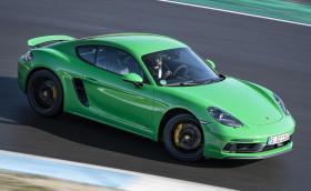 Porsche 718 GTS 4.0 с 6 цилиндъра, 400 коня и ръчни скорости! О, да!