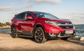 Как се усеща новата Honda CR-V? Подробен тест и галерия на AWD версията със 193 коня