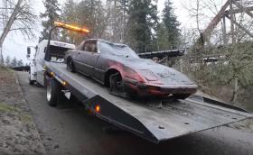 Намериха шест изоставени коли на дъното на река - едната е Mazda RX-7. Видео