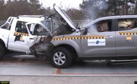 Европа vs. Африка: Употребяван Nissan Navara срещу чисто нов Nissan NP300 в краш тест. Видео