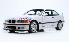 Това 1995 BMW M3 'Lightweight' е било на Пол Уокър. Продадоха го за 385 000 долара