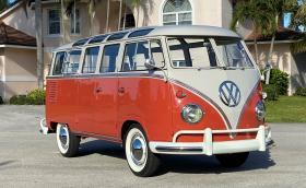 1961 Volkswgen Deluxe '23-Window' Microbus за... 350 хил. лв.?