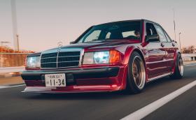 Benz-мечта: Merc 190 2.5-16 на Ямазаки сан от RAUH-Welt Begriff