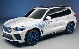 BMW i Hydrogen NEXT е X5 с 374 коня, задвижвано от… водород
