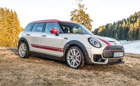 Карахме MINI Clubman John Cooper Works: 306 коня… в MINI
