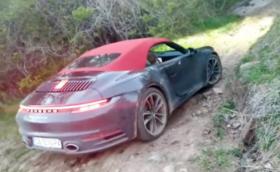 Оказва се, че новото Porsche 911 Carrera 4S Cabriolet става и за офроуд. Тествано в София