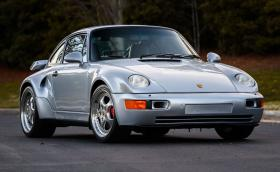 Това Porsche 911 Turbo S 'Flashbau' е било на Джери Зайнфелд. Продава се за $875 000