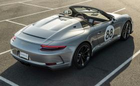 Купете последното Porsche 911 Speedster и помогнете на борбата с вируса