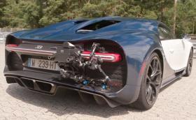 Рекордът 0-400-0 на Bugatti Chiron е заснет с… друг Chiron. Видео