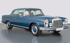 1970 Mercedes-Benz 280 SE с 5,5 V8 и 360 коня. Продава се за 470 хил. евро