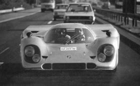 Когато си Граф Роси и си регистрираш състезателно Porsche 917, способно да развие 400 км/ч