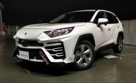 Тази Toyota RAV4 с бодикит е бюджетно Lambo Urus