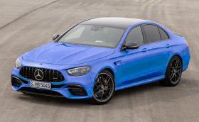 Ще може да си купите Merc-AMG E 63 в цвят… 'Snapper Rocks Blue' на BMW М5