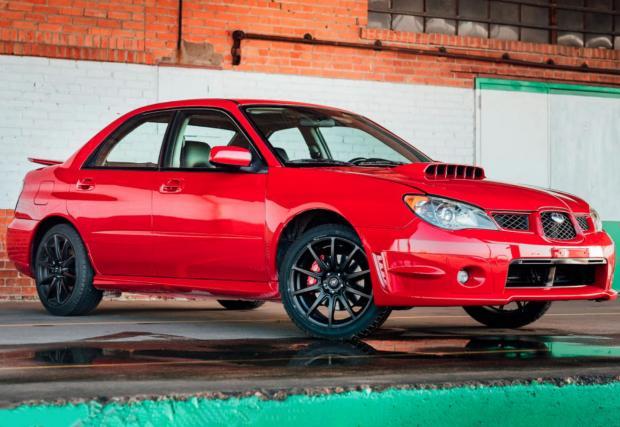 Това 2006 Subaru Impreza WRX е колата от филма 'Baby Driver'. Продава се за… $34 хил.