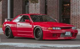 1991 Nissan Skyline GTS-T с 580 коня, задно, части от GT-R и бодикит Pandem