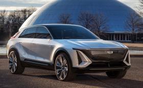 Cadillac Lyriq е електрически SUV с 33-инчов дисплей, вместо табло