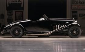 В този Rolls-Royce работи 27-литров самолетен двигател Merlin. Мощен е 1000 коня и е прекрасен!