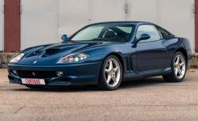 Това Ferrari 550 Maranello е мечта: ръчни скорости, син интериор и на само 19 хил. км