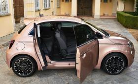 Fiat даде на електрическия 500 още половин врата.. от едната страна