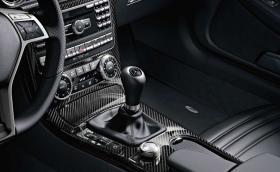 Mercedes се отказва окончателно от ръчните кутии, намалява 'драматично' броя на двигателите с вътрешно горене