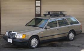 Японци възстановяват W124-ки до нови и ги продават. Казват се Arrows и са базирани в Kawasaki