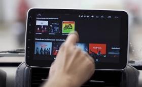 Lada Niva вече с дисплей на таблото. Също както новата S-класа. Видео