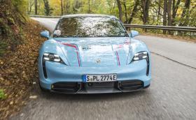 Обикаляме България с Porsche Taycan Turbo S. Галерия!
