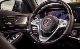 Двойка от Ванкувър съди Mercedes за S-Class, на който му блокира волана