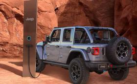 Мистериозният монолит в Юта е… зарядна станция на Jeep?