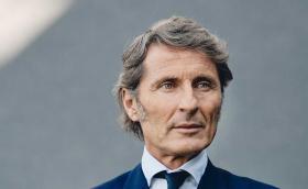 Този мъж управлява Bugatti, а от 1 декември поема и Lamborghini