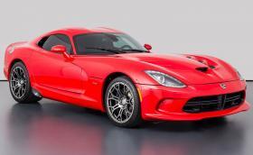 Този 2013 Dodge Viper GTS е с 650 к.с. и струва колкото чисто нова Tesla Model X